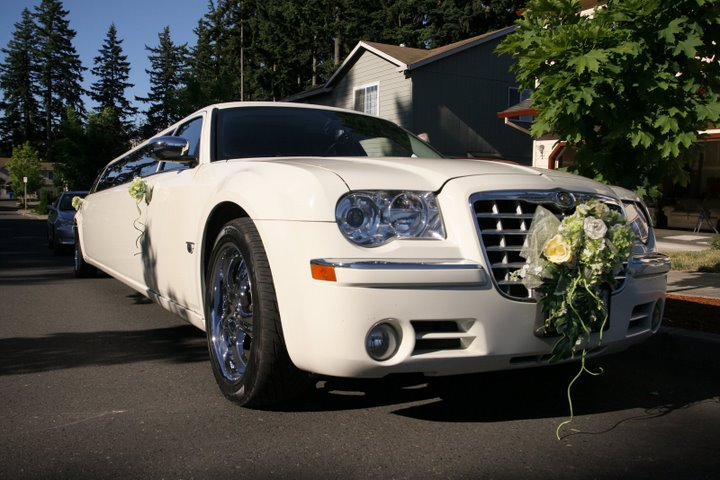 Weddings Limo Cars with a Classic Touch